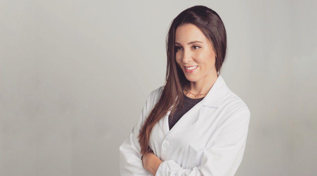 Natalia Cárdenas: La Doctora de Láserum